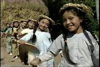Con Kiến Leo Cành Đa - Bé Việt Dung