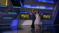 Undo It & Walk This Way (46th ACM Awards 2011) - Carrie Underwood,Steven Tyler
