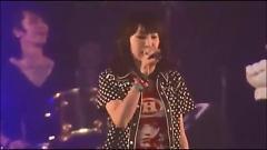 oath sign (live) @ AFA2012 - Lisa