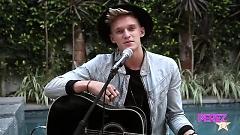 Surfboard (Acoustic Perez Hilton Performance) - Cody Simpson