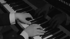 I'm Still (Piano By AEV) - Shin Ki Nam