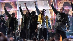 A Tribe Called Quest (Grammy Awards 2017) - Anderson Paak, Busta Rhymes, Consequence