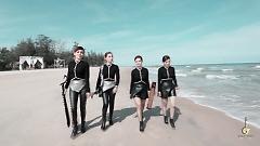 Bước Chân Việt - Giao Thời