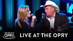 Golden Ring (Live At The Grand Ole Opry) - Garth Brooks , Trisha Yearwood