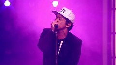 Versace On The Floor (2017 Billboard Music Awards) - Bruno Mars