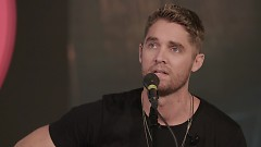 Close Enough (Live On The Honda Stage) - Brett Young