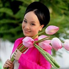 NSƯT Thu Huyền