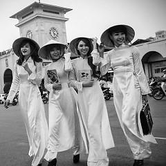 Nụ Cười Việt Nam - Lady Q