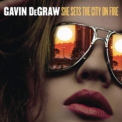 She Sets The City On Fire (Single)