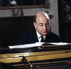 Brahms - Handel Var & Fugue - Shura Cherkassky