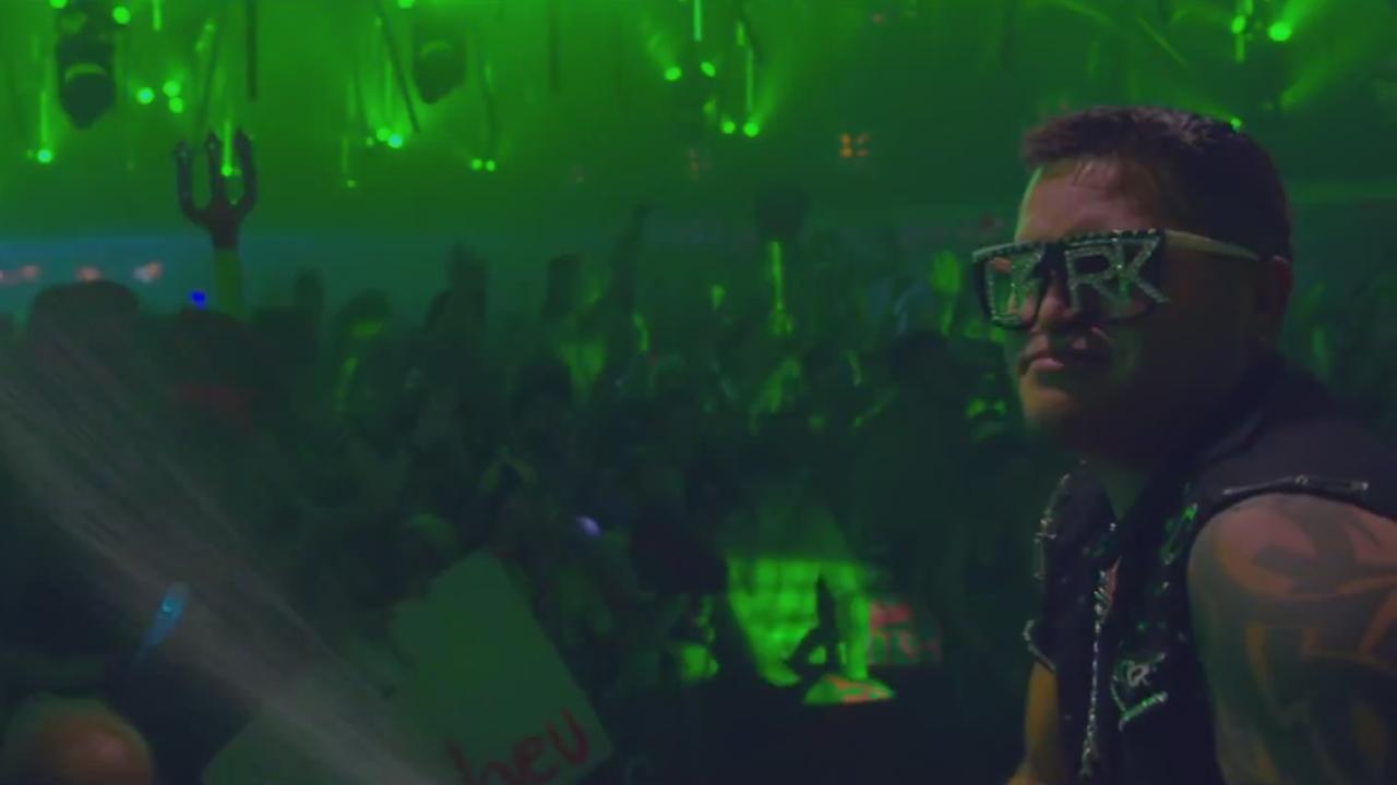 Waves (Tomorrowland 2014 Anthem) - Dimitri Vegas, Mike Will, W&W
