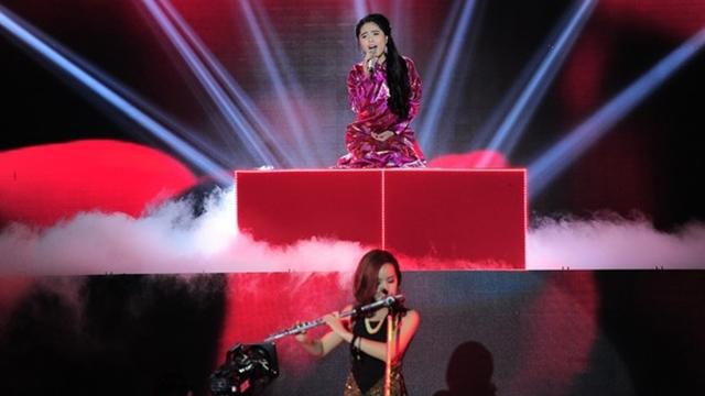 Gặp Xuân, Hơi Thở Mùa Xuân (The Remix - Hòa Âm Ánh Sáng 2015) - Nguyễn Huyền Trang, Nguyễn Kiều Anh